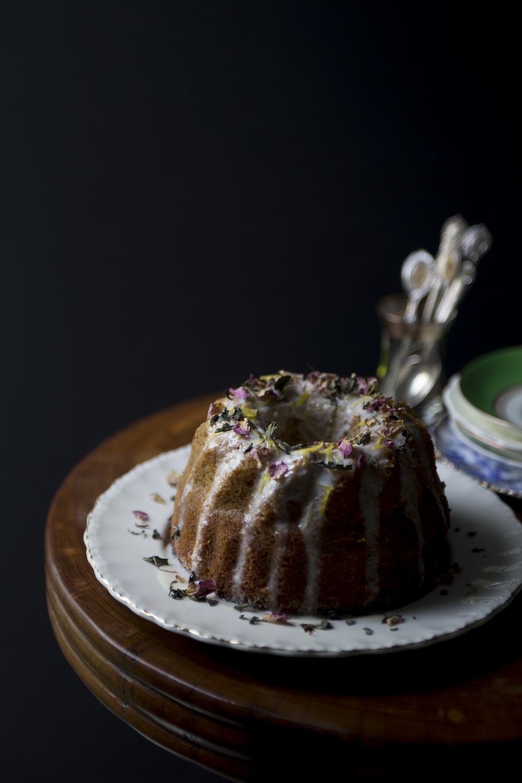 TheUrbanNest_Flourless_Lemon_Cake