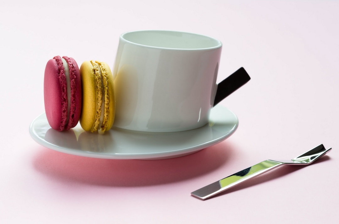 The Urban Nest. Alessi cup and saucer by DCM and macarons.